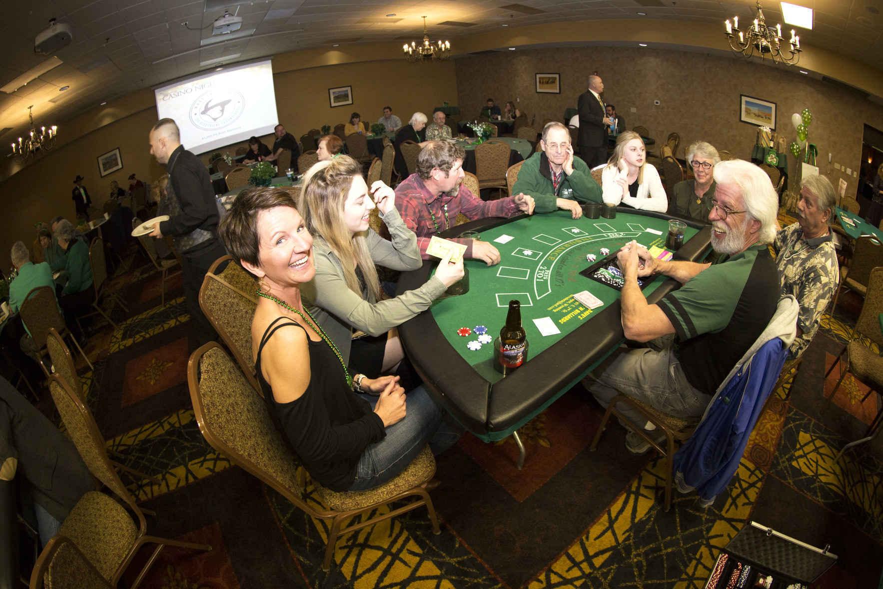 Сайт казино голден палас