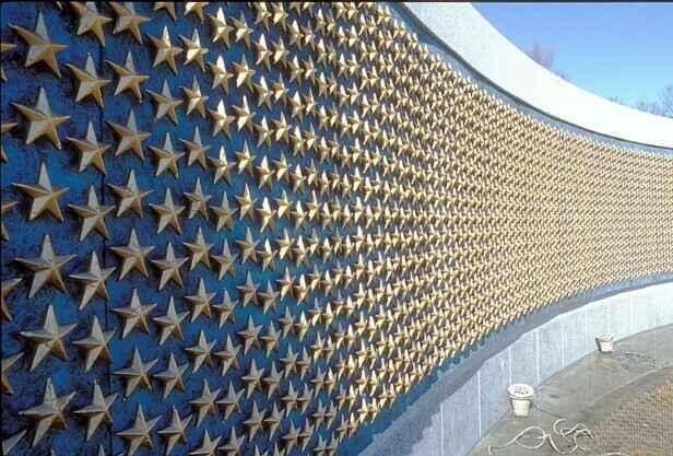 Memorial Day at the World War II Memorial image