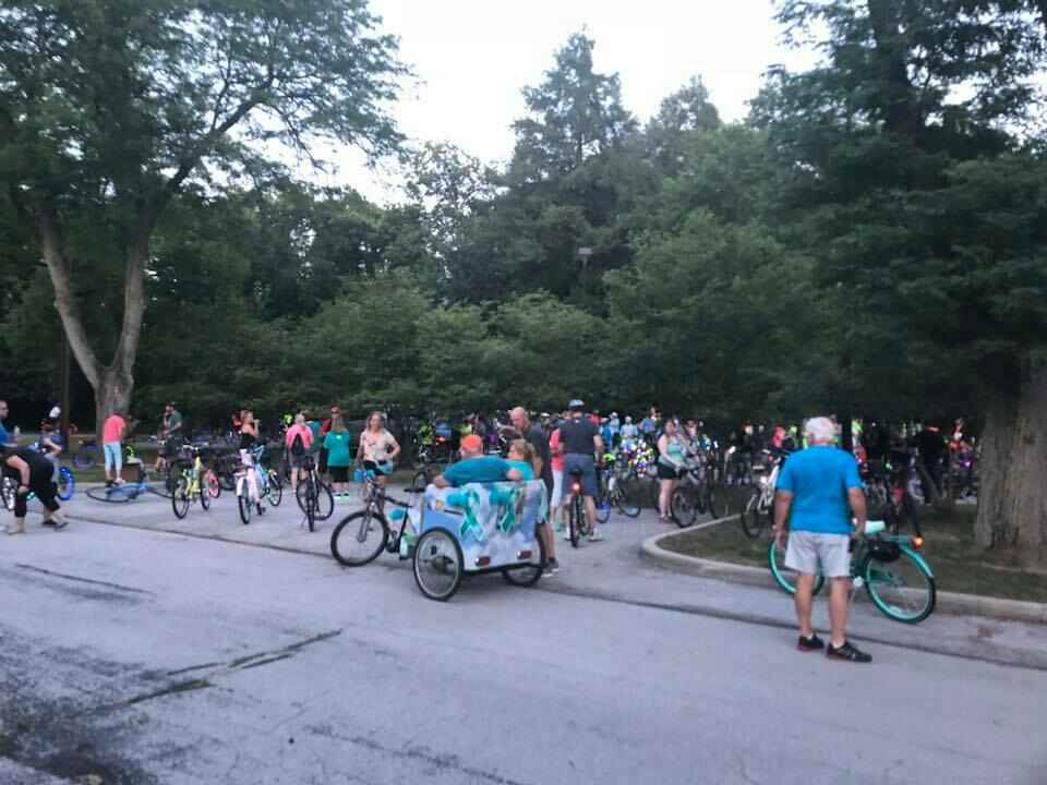 Mary Lou Davis Memorial Glow Roll Presented by Mercy Health               & 4th Dimension Financial Group image
