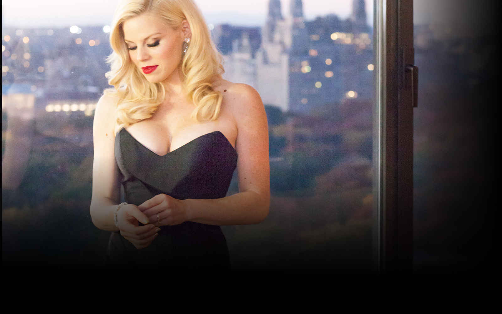 The Art of Aging: On Stage with Megan Hilty image