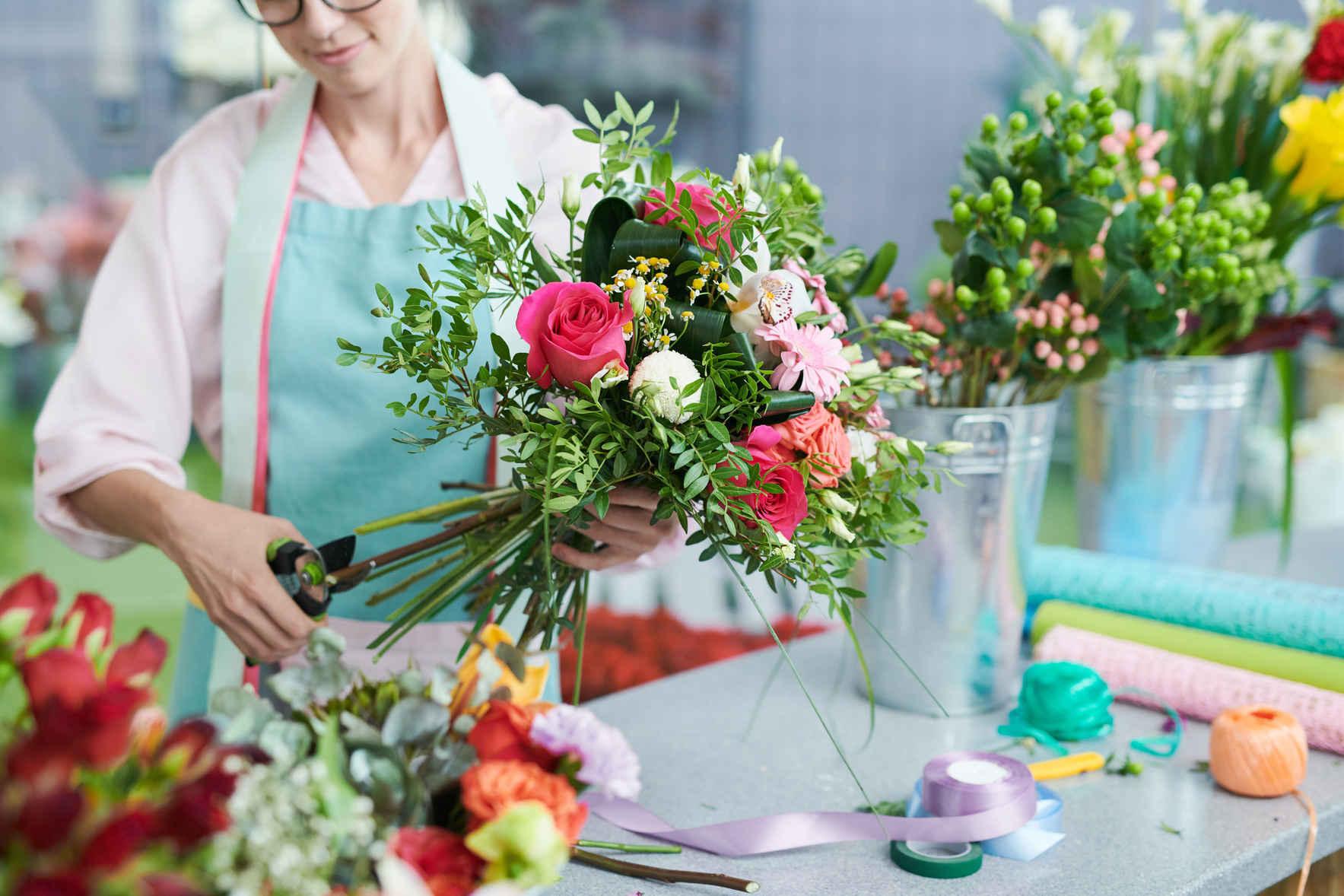 Sponsor a flower arranging kit for virtual flower arranging image