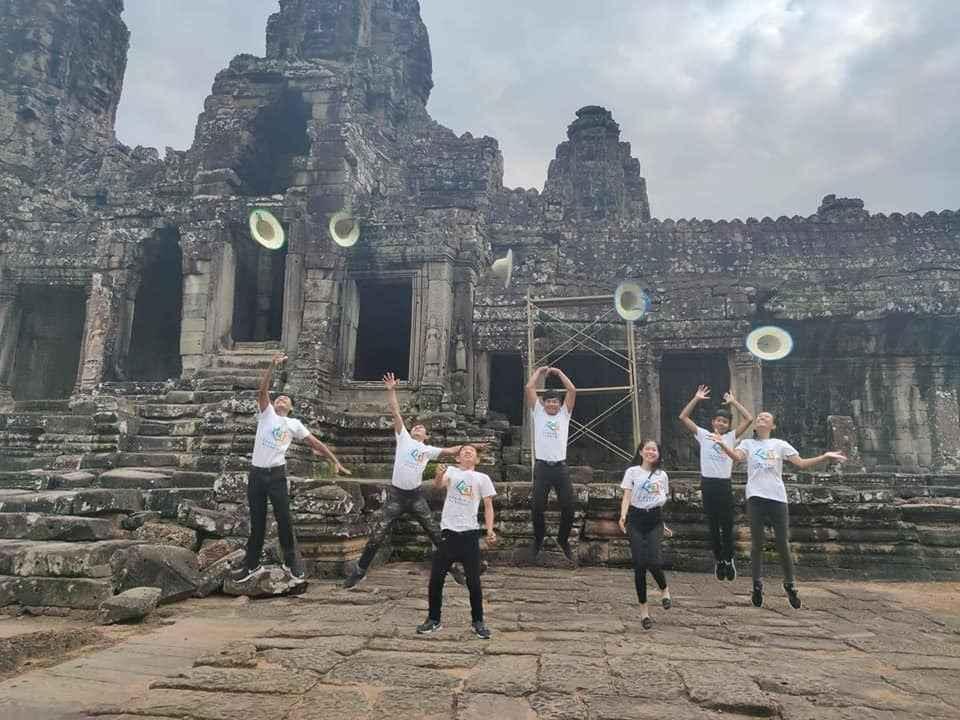 Help our 9th graders visit Angkor! image