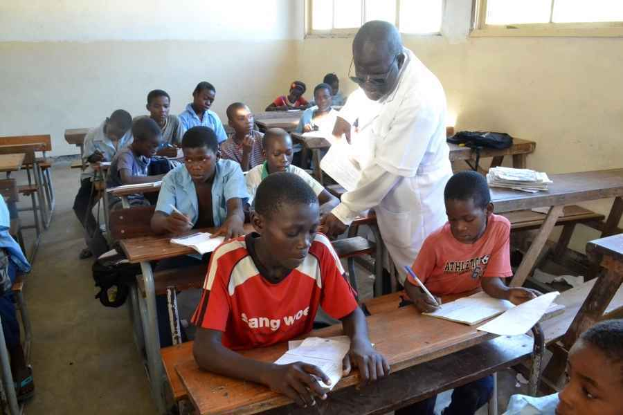 Give today to ensure every child has access to a quality teacher image