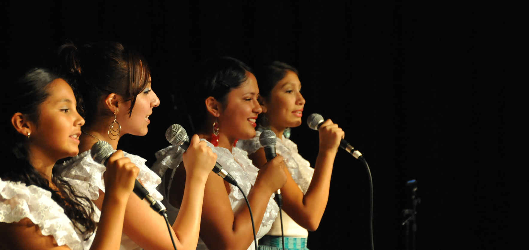 Join Los Cenzontles Cultural Arts Center! image